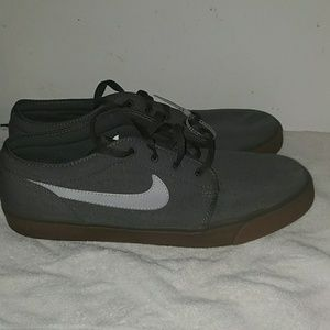 Nike shoes size 15
